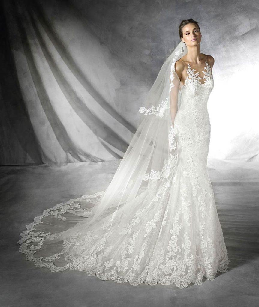 Accessorio sposa  velo in pizzo più lungo dello strascico dell abito da  sposa 085b5648e5a