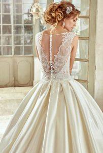 bottoni schiena abito da sposa nicole effetto tattoo e scolli